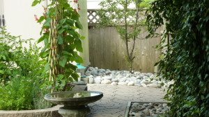 residential-landscape-design-with-stones-in-vancouver-bc-2