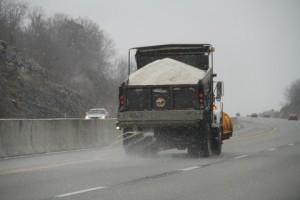 road-de-icing-salt-truck-on-a-bc-highway