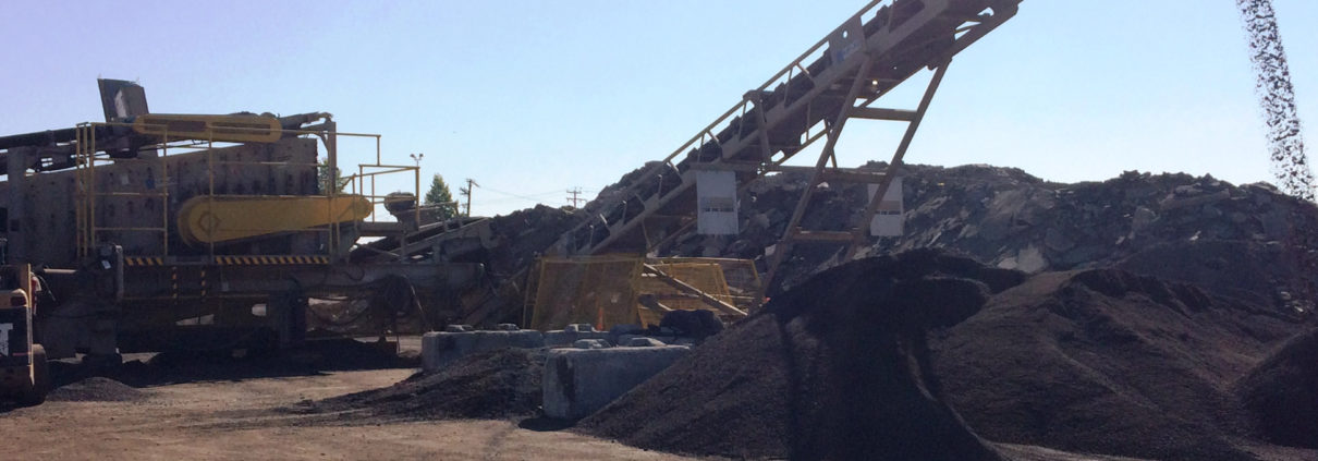 Lafarge produces Aggneo with a mobile crushing plant. Photo courtesy of Lafarge.